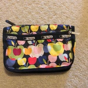 LeSport Sac pouch with apple print